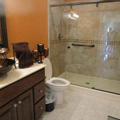 Le Mars Master Bathroom
